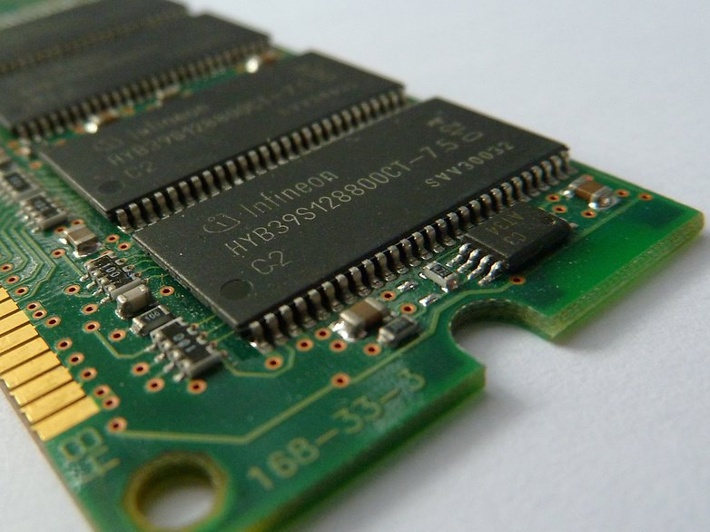 RAM ve ROM Arasında Ki Farklar Nelerdir?