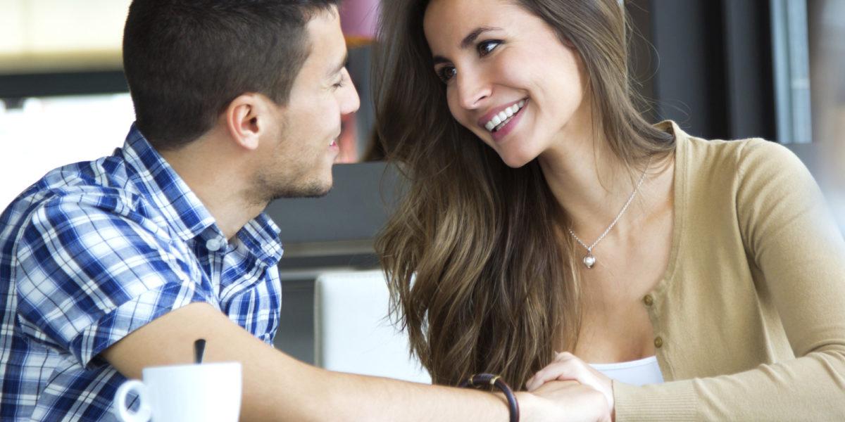 Kadınların Hoşlanma Belirtileri Nelerdir? Nasıl Anlarım?